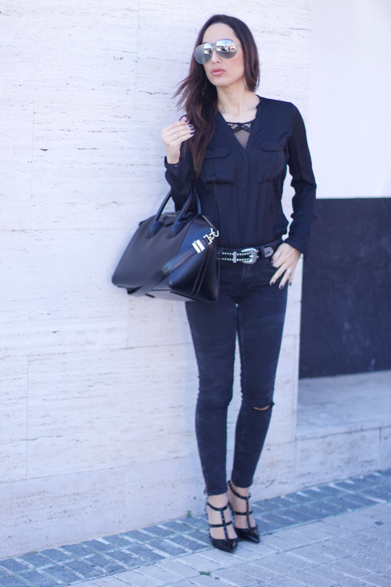 look_total_black