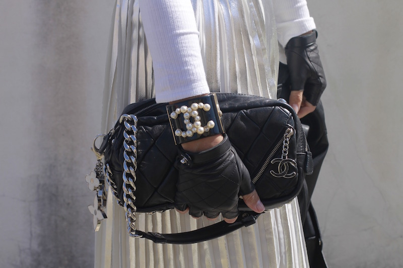 brazalete_bag_guantes_chanel