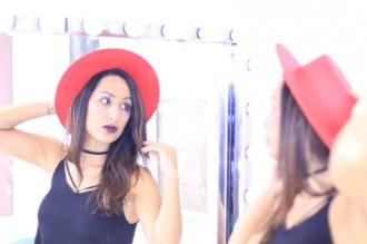 look_sombrero_rojo