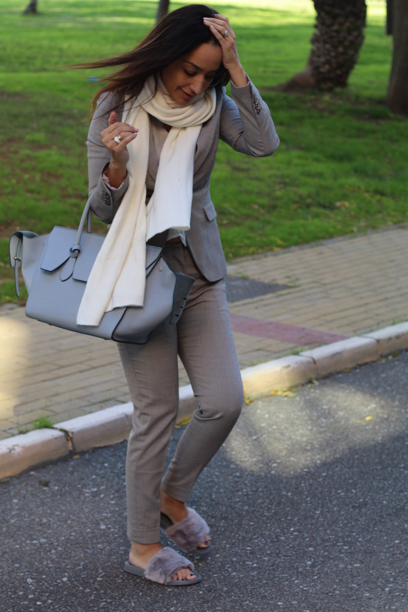 traje de chaqueta_ sandaliaspelo