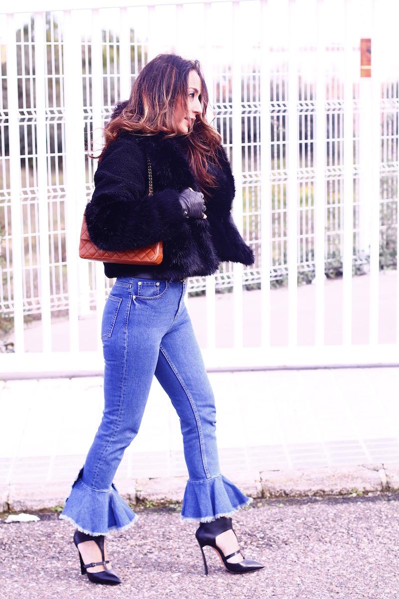 look_pantalon _bajovolante