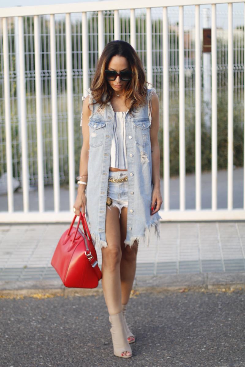 influencers, blogger, vestdio denim bag red