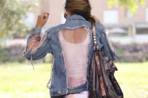 CHAQUETA DENIM CON TRANSPARENCIAS